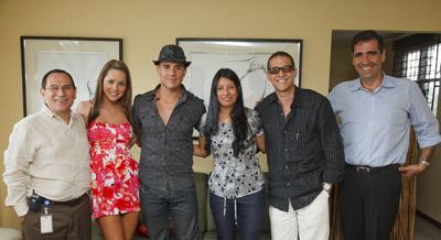 Jorge Garro, Carmen, Sebastián, Zayda Jiménez, Rolando Fernández e Ignacio Santos.