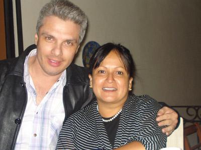 Los periodistas Norval Calvo y Lilliana Mora.