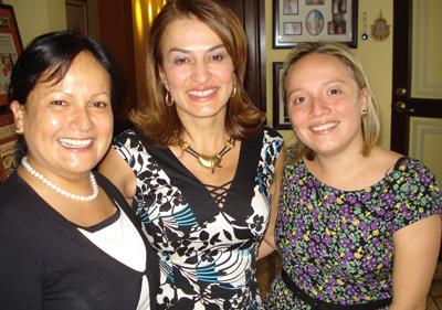 Lilliana Mora, Maureen Ballestero y María José Guzmán.