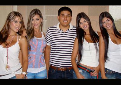 María Isabel Escobar, Sandra Valencia, José Eloy Vargas, Camila y Mariana Dávalos.